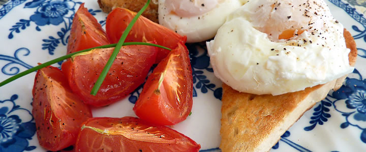 Poached Eggs & Tomatoes